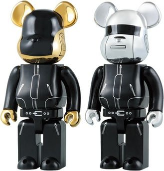 Daft Punk Be@rbrick 400% Set figure by Daft Punk, produced by Medicom Toy. Front view.