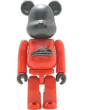 Nike AF1 Be@rbrick 100% - New York Version figure by Nike, produced by Medicom Toy. Front view.