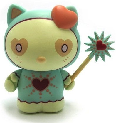 Magic Love Hello Kitty figure by Tara Mcpherson, produced by Kidrobot. Front view.