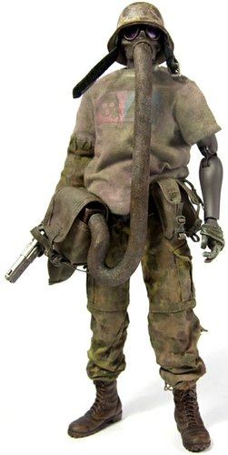 Jung de Plume - Bambaland Exclusive figure by Ashley Wood, produced by Threea. Front view.