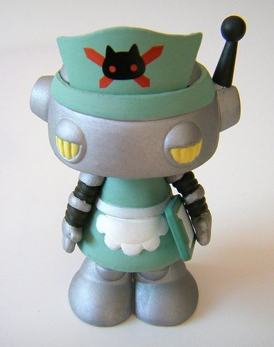No. 157 Kiyomi figure by Junko Mizuno, produced by Kidrobot. Front view.