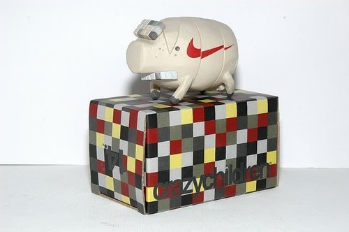 The Pig - Nike Tan CC#14 figure by Michael Lau, produced by Crazysmiles. Front view.