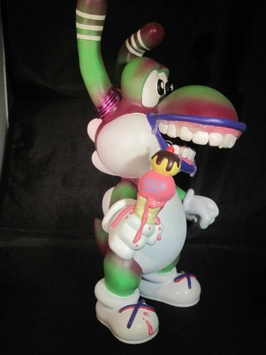Yoshi figure by Shawn Wigs. Front view.