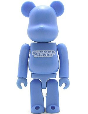 Summer Sonic 2001 Be@rbrick 100% - Blue figure, produced by Medicom Toy. Front view.