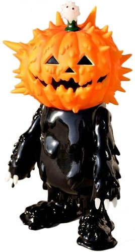 Halloween Inc (Jack-O-Lantern) figure by Hiroto Ohkubo, produced by Instinctoy. Front view.