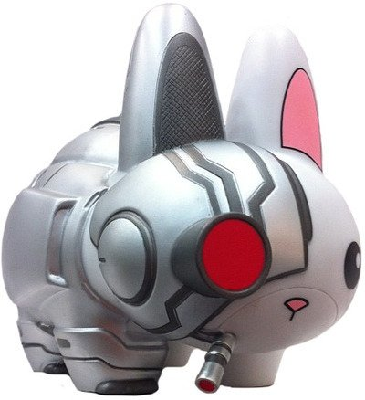 Cyborg Labbit - Excelsior, SDCC 12 figure by Chuckboy, produced by Kidrobot. Front view.
