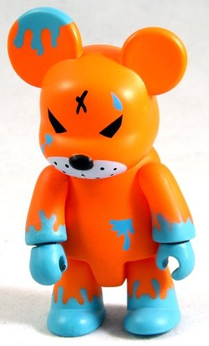 Redrum Orange & Blue figure by Frank Kozik, produced by Toy2R. Front view.