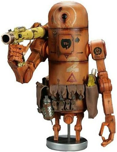 Bertie the Pipebomb : MK1 Desert Rat  figure by Ashley Wood, produced by Threea. Front view.