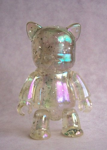 Metallic Cat Qee - Clear Glitter Pearlescent figure, produced by Toy2R. Front view.