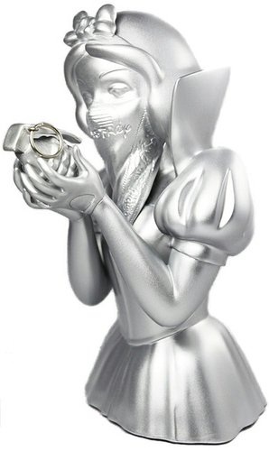Bad Apple - Silver Dust (Members Only Exclusive!) figure by Goin, produced by Mighty Jaxx. Front view.