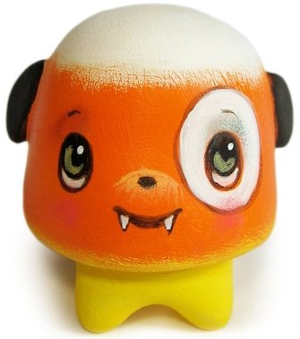 Candy Corn Gumdrop 05 figure by 64 Colors. Front view.