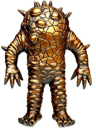 Bronze Kaiju Eyezon figure by Mark Nagata, produced by Toy Art Gallery. Front view.