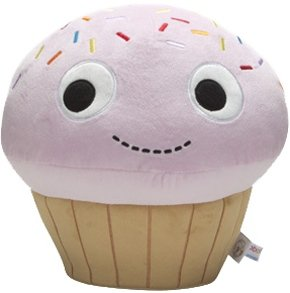 Yummy Cupcake 9 Pink Plush figure by Heidi Kenney, produced by Kidrobot. Front view.