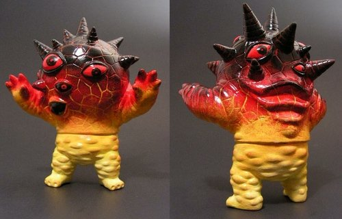 Magma Eyezon figure by Monsterforge. Back view.