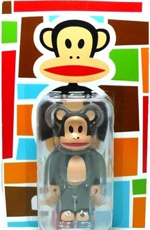 Julius Be@rbrick 100% figure by Paul Frank, produced by Medicom Toy. Front view.