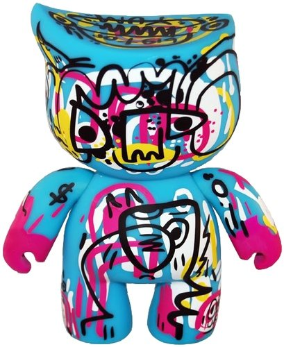 Jinny Bigtop by Jon Burgerman figure by Jon Burgerman, produced by Bitbots Toys Limited. Front view.
