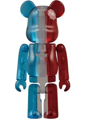 PLAZA - Paris, Je TAime Be@rbrick 100% figure, produced by Medicom Toy. Front view.