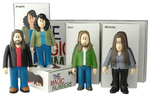 The Magic Numbers figure by Pete Fowler, produced by Playbeast. Front view.