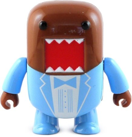 Blue Suit Domo Qee figure by Dark Horse Comics, produced by Toy2R. Front view.