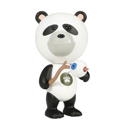 I.W.G. - Bibi the Panda Baby Cub figure by Patrick Ma, produced by Rocketworld. Front view.