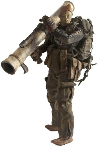 Heavy Nasu - 3AA Exclusive figure by Ashley Wood, produced by Threea. Front view.