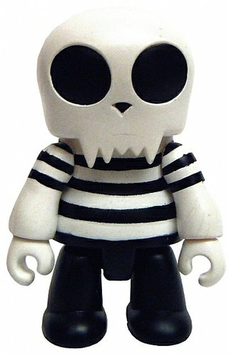 Black Stripes Toyer figure, produced by Toy2R. Front view.