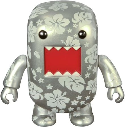 Tropical Silver Domo Qee - C2E2 10 Exclusive figure by Dark Horse Comics, produced by Toy2R. Front view.