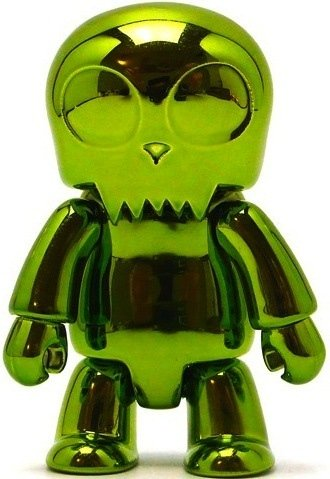 Metallic Toyer Qee - Green  figure, produced by Toy2R. Front view.