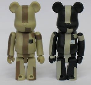 The Bear Be@rbrick 100% - Toycon 2002 figure by Michael Lau, produced by Medicom Toy. Front view.