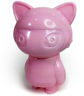 Micro Nyancocco figure by Rika Shibazaki, produced by Max Toy Co.. Front view.