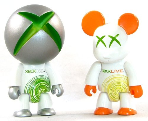 X-Box Qee figure by Microsoft, produced by Toy2R. Front view.