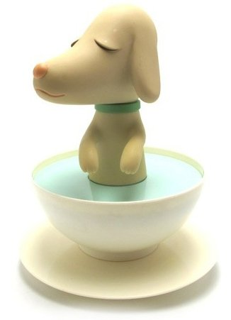 PupCup figure by Yoshitomo Nara, produced by Cereal Art. Front view.