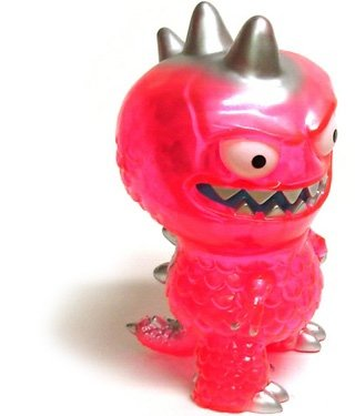 Chupacabra figure by David Horvath, produced by Wonderwall. Front view.