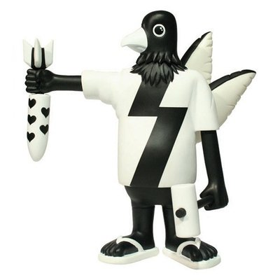 Lei Gong - Black and White figure by Phunk Studios, produced by Phalanx Creative. Front view.