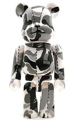 Bape Play Be@rbrick S1 - Grey Camo figure by Bape, produced by Medicom Toy. Front view.