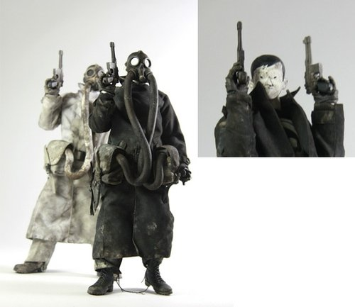 Nightwatch NOM Commander figure by Ashley Wood, produced by Threea. Front view.