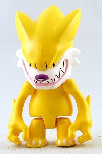 Fang Wolf Qee - Yellow figure by Touma, produced by Toy2R. Front view.