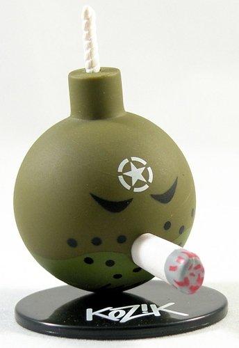 D-Day Bomb figure by Frank Kozik, produced by Toy2R. Front view.