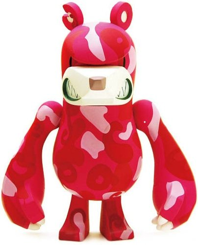 KnuckleBear (ナックルベア) - Peace Bear figure by Touma, produced by Wonderwall. Front view.
