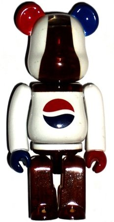 Pepsi Be@rbrick 100% figure by Edison Chen, produced by Medicom Toy. Front view.
