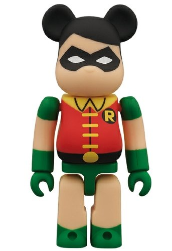 Robin Be@rbrick 100% figure by Dc Comics, produced by Medicom Toy. Front view.