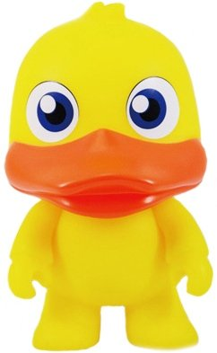 QuackyQ Mini Qee figure by Toy2R, produced by Toy2R. Front view.