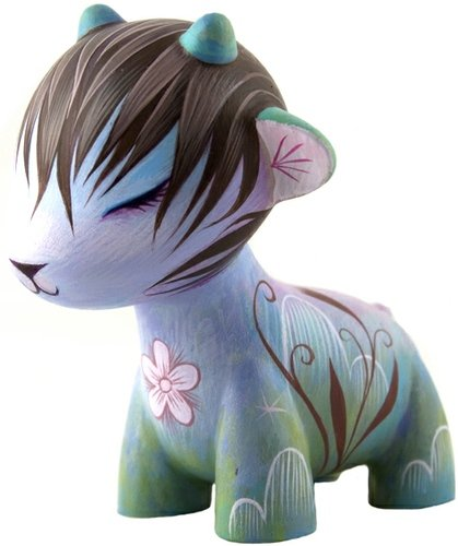 Simple Thoughts figure by Jeremiah Ketner. Front view.