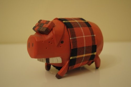 The Pig - Red figure by Michael Lau, produced by Crazysmiles. Front view.