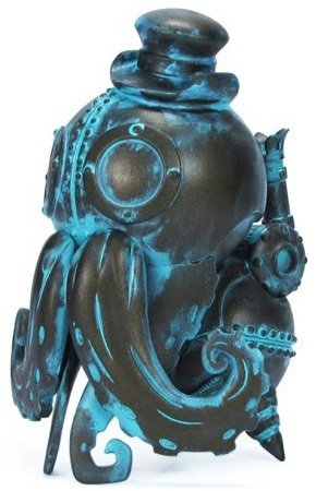 Stephan LePodd - Verdigris  figure by Doktor A, produced by Mindstyle. Front view.