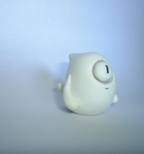 Jasper the Unfriendly Ghost figure by Ume Toys (Richard Page), produced by Ume Toys. Front view.