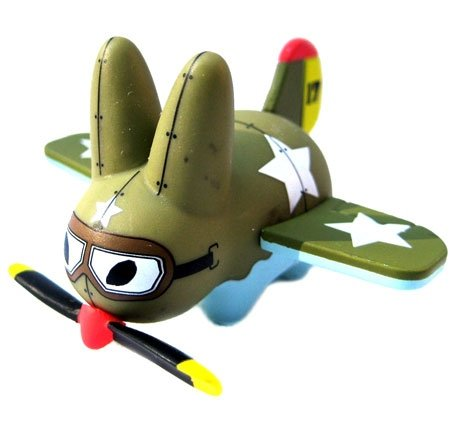 Plane Labbit figure by Frank Kozik, produced by Kidrobot. Front view.