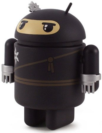 Wee Ninja Android figure by Shawn Smith (Shawnimals), produced by Dyzplastic. Front view.