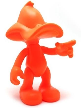Daffy Duck - Orange figure by Artoyz Originals, produced by Artoyz Originals. Front view.