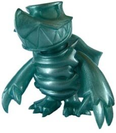 Skuttle - Teal Pearl figure by Touma, produced by Toumart. Front view.